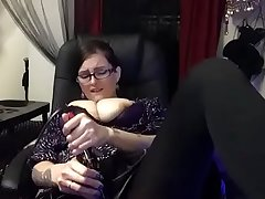 Hot Nerd Gearing up Stops to Cum in Pantyhose