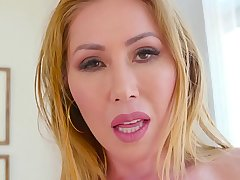 Big Tit Kianna Dior Shows Off Huge Tits &amp_ Sucks