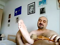 Kocalos - Feet tickling with a brush