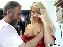 Hot amateur babe gets licked and screams whilst fucking hard