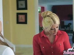 Mom Knows Best - (Anikka Albrite, Aspen Ora) - Offbeat Bustle Interview - Twistys