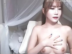 Wow, she is such a beautiful camgirl I have ever seen