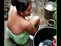 Bhabhi bathing video